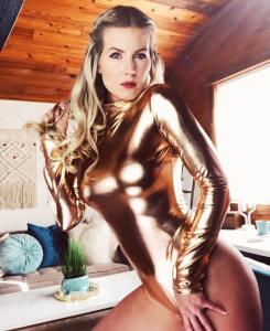 Kat Wonders gold